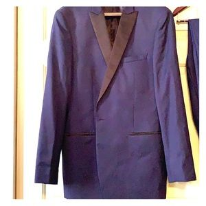Calvin Klein Slim Fit Two Piece Suit. Worn Once